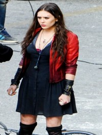 elizabeth-olsen-aaron-avengers-2-jacket
