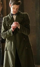 eedf_doctor_who_11th_doctors_green_jacket_inuse