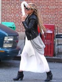 Amanda-bynes-leather-jacket-3