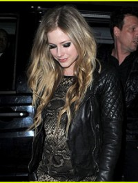 avril-lavigne-leather-jacket